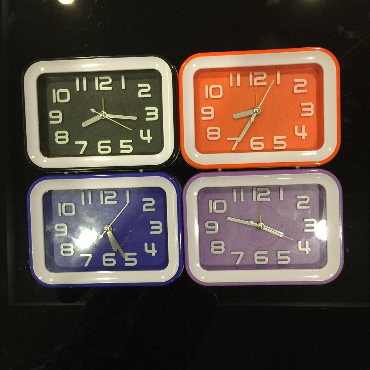 นาฬิกาปลุกเหลี่ยมไฟ แพ็ก 2 ตัว