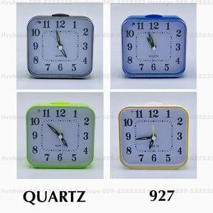 นาฬิกาปลุกทรงสี่เหลี่ยมแบบเข็มสไตล์คลาสสิก Quarthz 927